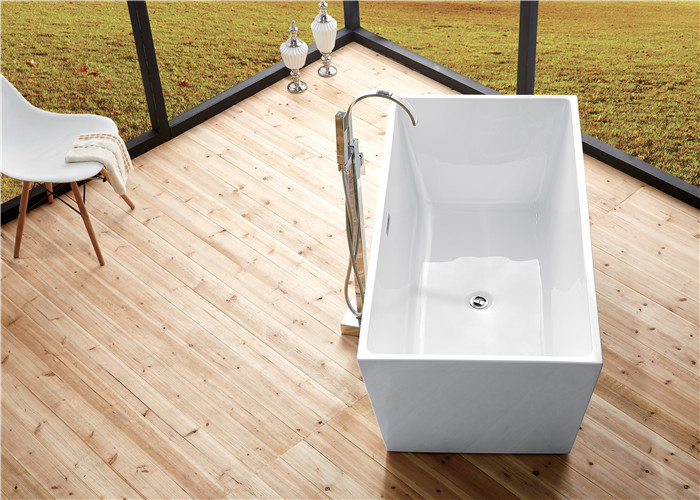 Seamless Acrylic Square Freestanding Bathtub With Pop - Up Drainer Durable