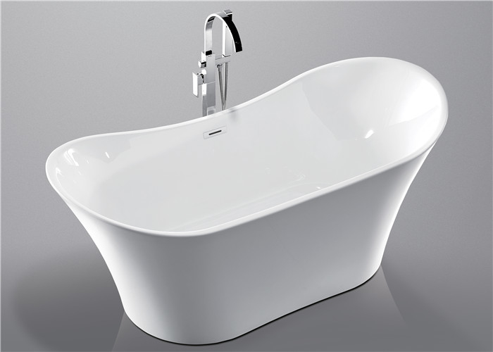 Deep Soaking Acrylic Oval Freestanding Tub For Small Spaces Hand Control